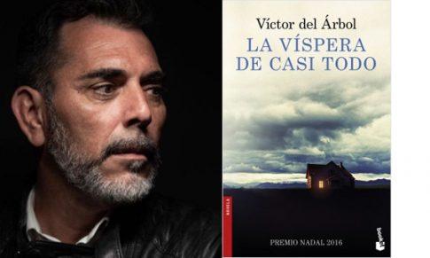 Víctor del Árbol en el Bibliotren